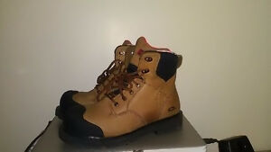Womens steel toe boots, like new