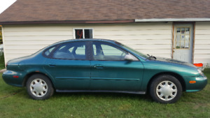 1998 Ford Taurus only 105,000km one owner