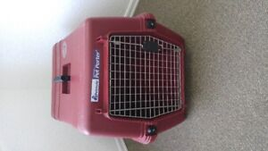 USED ONLY ONCE PET CARRIER ,FOR SMALL TO MEDIAM SIZE DOG/CAT/