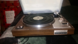 Mint condition turntable with painted lid