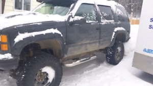 1997 gmc yukon with 9 inches of lift