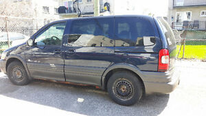 2004 Pontiac Montana Familiale