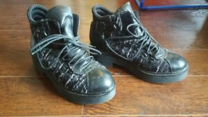 FUNKY BLACK AND SILVER  WOMENS PLATFORM / COMBAT BOOTS