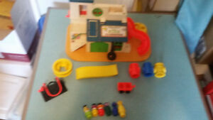 FISHER-PRICE LITTLE PEOPLE SESAME STREET CLUBHOUSE #937 COMPLETE