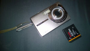 Kodak Easyshare M853 8.2 MP Digital Camera with 3xOptical Zoom