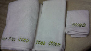 New  6 Botanical Towels Set - for sale !