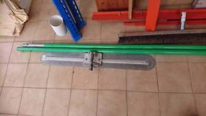 concreting tools.900 bull float ,broom and 2 poles in very good Wishart Brisbane South East Preview