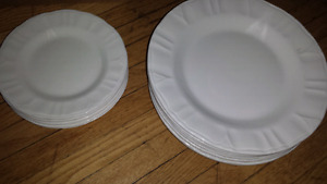Gibson Everyday dinnerware white plates 12 in total