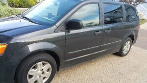 2012 Dodge Grand Caravan SE Minivan, Van Stow N Go