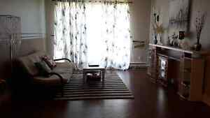 Clean 2 bedrooms with balcony, club hse in  safe Crestview area