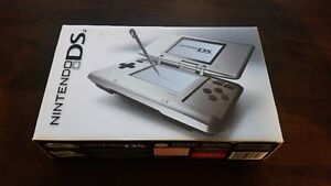 Boxed Original Silver Nintendo DS NTR-001 MINT