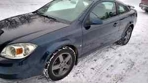 2009 Chevrolet Cobalt with only 80000 kilometers 5 speed standar