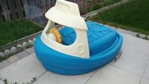 Kids outdoor water play pool in Boot shape with cover