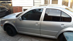 parting out 2000 Volkswagen Jetta Silver