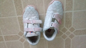 Girls Shoes and cloths size 4T