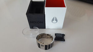 Nixon Rotolog   with packaging