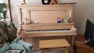 Free Piano (you must move it) London Ontario image 4