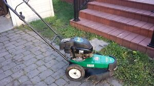 Coupe-herbe Weedeater (moteur 4 hp) 20 pouces (Impeccable !)