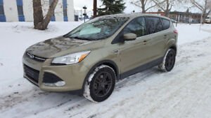 2013 Ford Escape SE AWD 1.6L EcoBoost no accidents, clean CP!