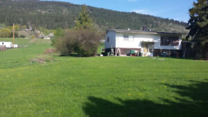 Live in the Sunny Okanagan Valley