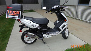 Scooter Peugeot à vendre