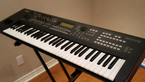 Yamaha MOXF6 Synthesizer Excellent Condition