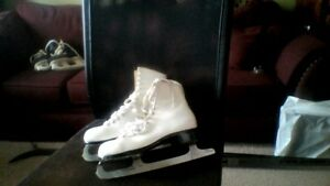 Ladies Figure Skates, sizes 9 and 10