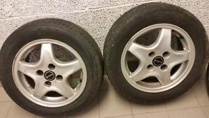 4 pneus avec mages les pneus son pour 1 lete