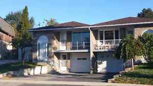 Semi-detached house for lease rent in Oakville