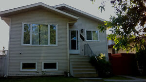 North End 3+3 Bedrooms, 2 Separate Suites + Double Garage