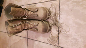 Steel toe boot; very good condition