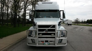 2015 VOLVO VNL64 780 TRUCK FOR SALE