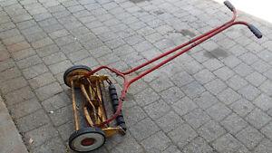 * Manual Reel Grass Mower *