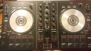 Performance DJ Controller (Barley Used)