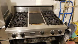 "Ultraline (Viking) 36"" Cooktop with 4 burners and a griddle used"
