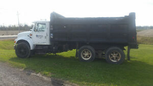 1995 INTERNATIONAL 4900 TANDEM DUMP TRUCK, GUC, USED DAILY