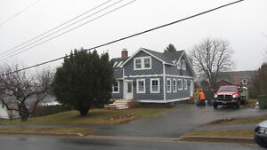Family home in Wolfville for rent Spring term