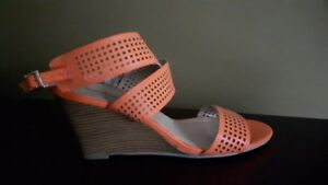 "BNWT, ""Barefoot Tess"" Wedge Sandals"