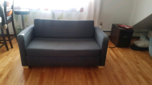 Couch/bed   **Delivery Available**