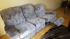 Comftable Reclining Couch -$50 - Pending Pickup