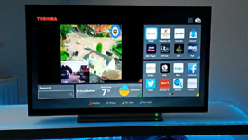 """32"""" SMART TOSHIBA TV/DVD COMBI WITH REMOTE FULL HD , WIFI, APPS,"""