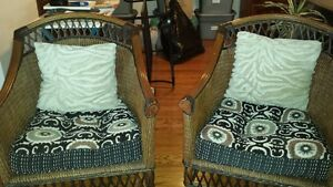 Pier 1 wicker chair set