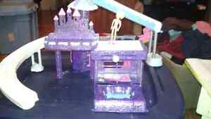 Polly pocket skate set and other things