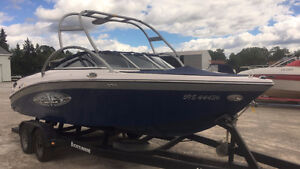 2004 Air Nautique 226 Wakeboard Boat