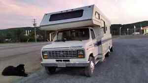 1989 Conquest RV/ Motorhome Ford E350  28 Ft *Lots of new Parts*