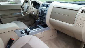 2008 Ford Escape XLT SUV, Crossover Windsor Region Ontario image 4