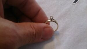 1/4 CARAT ENGAGEMENT RING SIZE 7 OR 8???