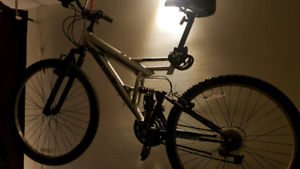 Bicyclette montagne/ Montain bike bicycle