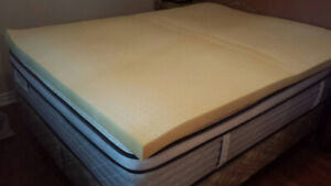 Queen memory foam bed topper _ barely used _ non-smoking home