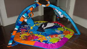 << UNDER–THE–SEA >> PLAY MAT